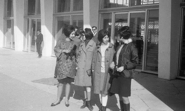 1970li-yillarda-kabilde-yasayan-hanimlardan-bazilari-min.jpg