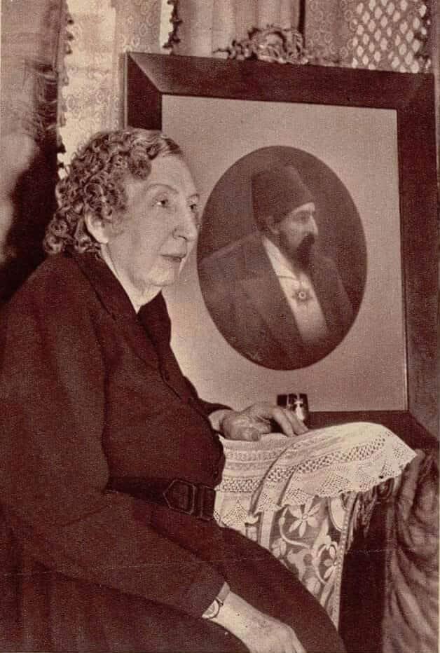 ayse-sultan-osmanoglu-1-min-1.jpg
