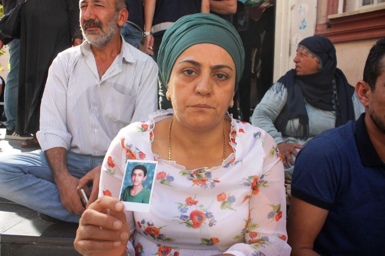 diyarbakir-annelerine-destek-siyasetcafe.jpg