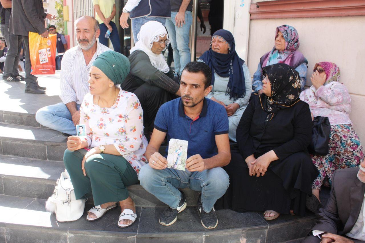 diyarbakir-annelerine-destek-siyasetcafe4.jpg