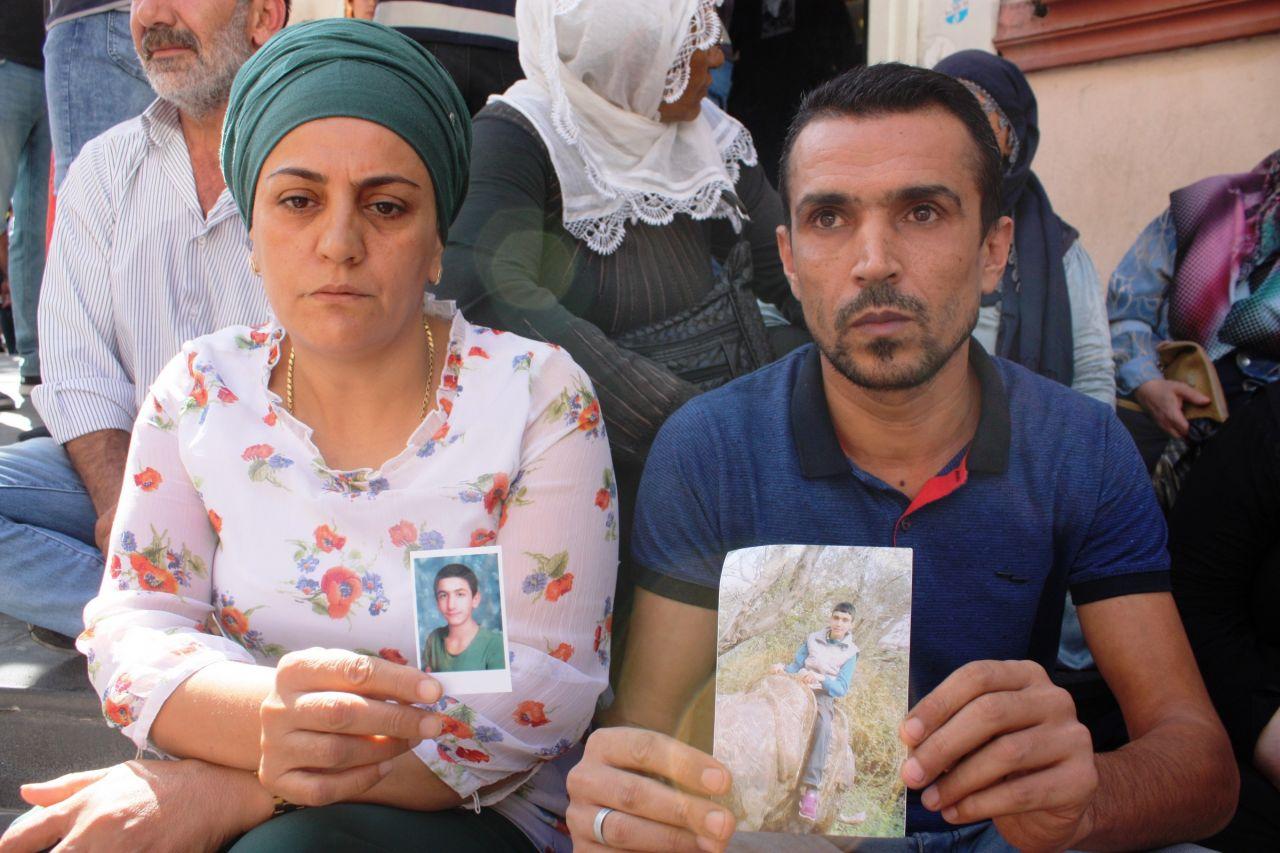 diyarbakir-annelerine-destek-siyasetcafe88.jpg