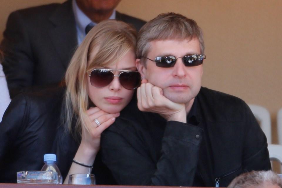 dmitry-rybolovlev-ve-elena-rybolovlev2014-604-milyon-dolar,3zfwtqj0uk69nxzugw71bq.jpg