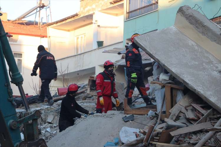 elazig-deprem-siyasetcafe11414.jpg