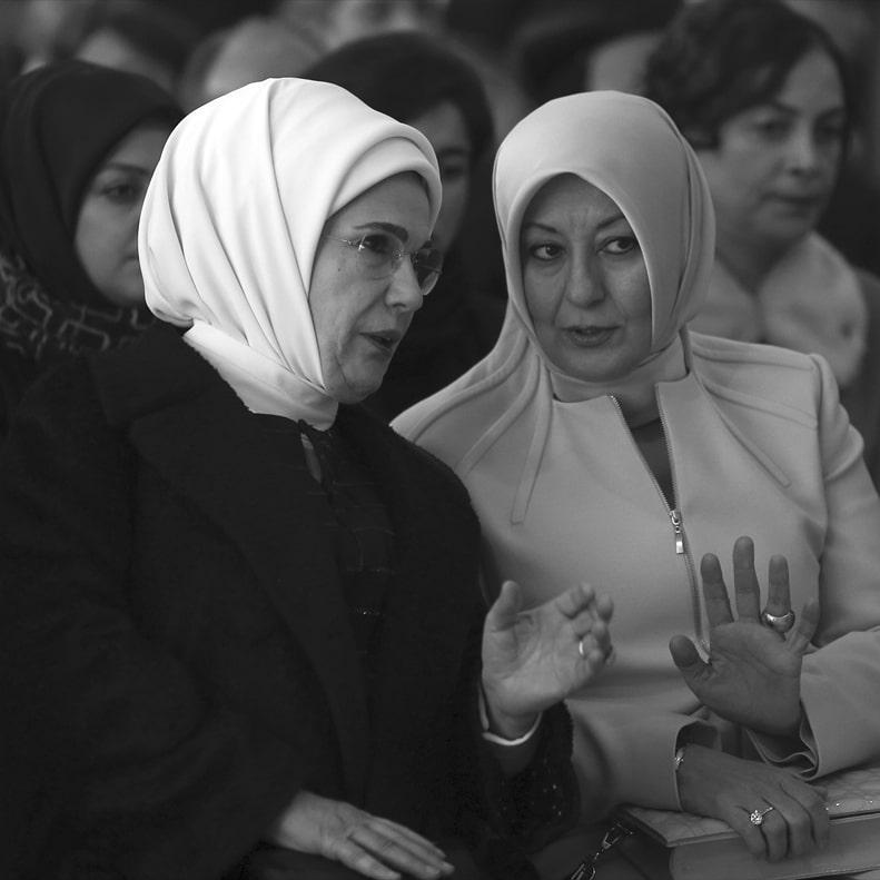 emine-erdogan-ve-hayrunnisa-gul-min.jpg