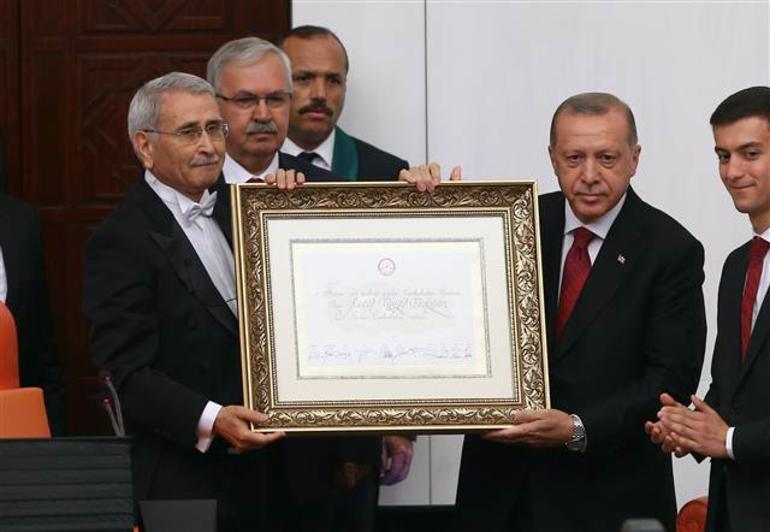erdogan-baskanligini-ilan-etti-siyasetcafecom.jpg