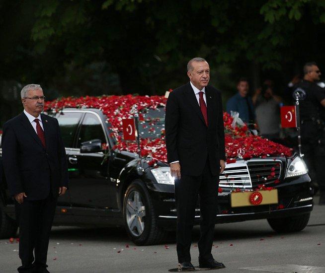 erdogan-baskanligini-ilan-etti.jpg