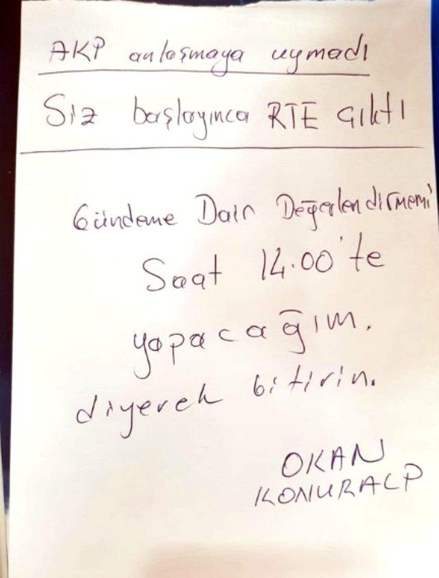 erdogan-konustugunda-konusmasini-yarida-kesen-siyasetcafe.jpg
