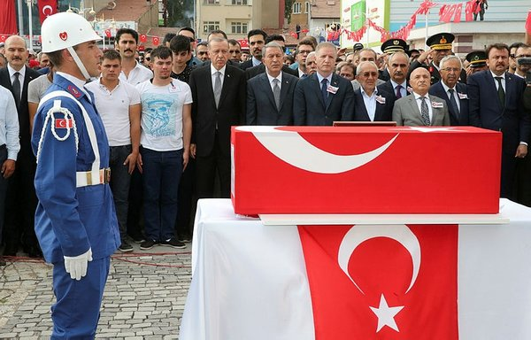 erdogan-sehit-cenazesine-katildi-siyasetcafe1.jpg