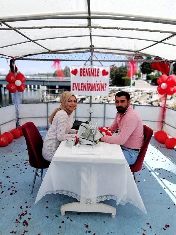 evlilik-teklifi-siyasetcafe.jpg