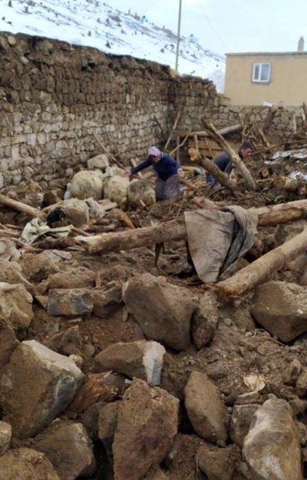 iran-deprem-siyasetcafe14.JPG