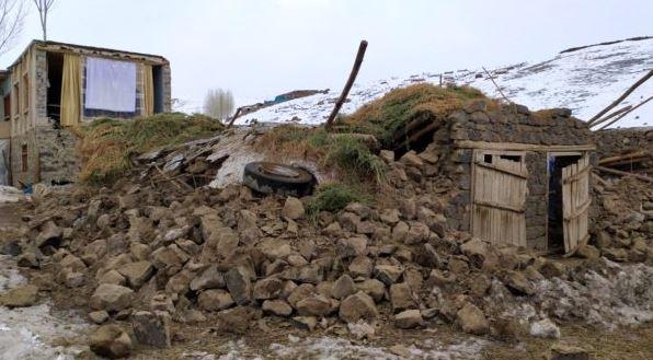 iran-deprem-siyasetcafe2.JPG