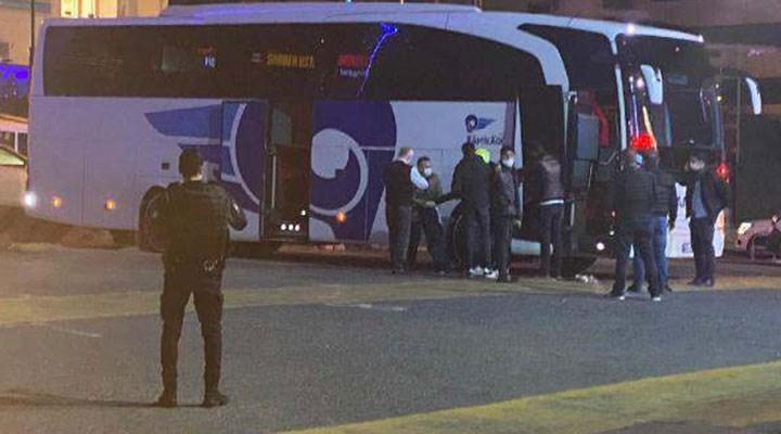 istanbul-da-canli-bomba-alarmi-otobusteki-kaskli-yolcu-panige-neden-oldu-806169-5.jpg