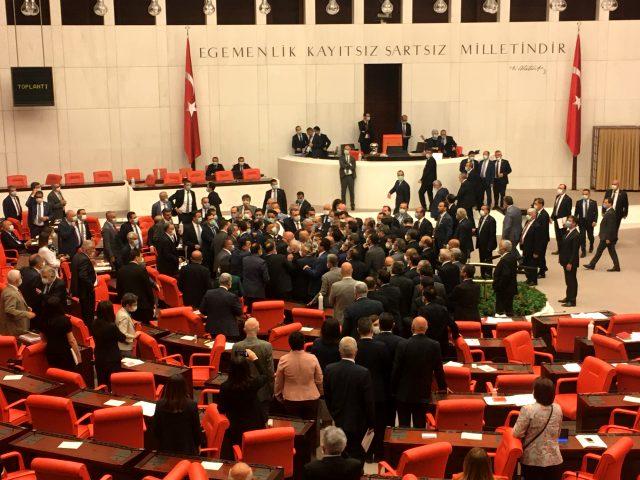 meclis-siyasetcafe-001.jpg