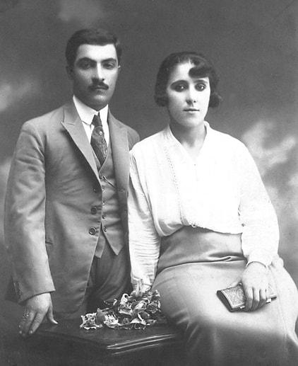 nimet-ve-ismail-ozden-cifti-evliliklerinin-ilk-yillarinda-1930-min.jpg