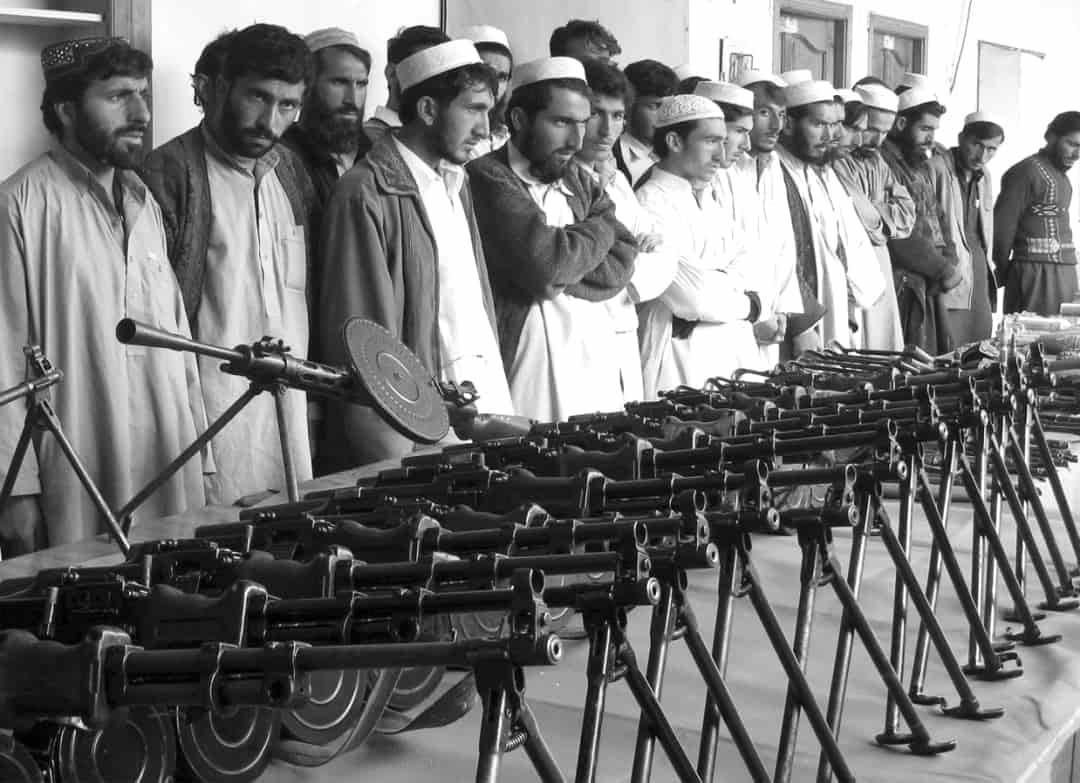 silah-kullanma-egitimi-alan-orgute-yeni-katilmis-militan-adaylari-min.jpg