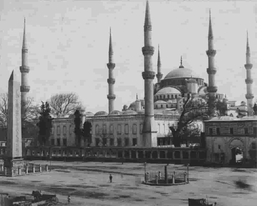 sultan-ahmet-meydaninin-farkli-bir-acidan-gorunusu-min.jpg