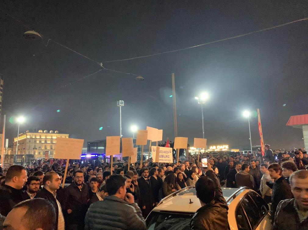 taksimsiyasetcafe-protesto.jpg