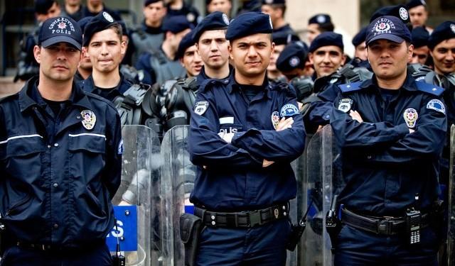 Diyabak�r'dan ac� haber 3 polis �ehit oldu