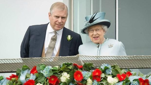 Kraliyet ailesini sarsan seks skandalı