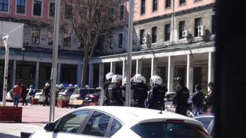 İstanbul Üniversitesi'ne polis baskını
