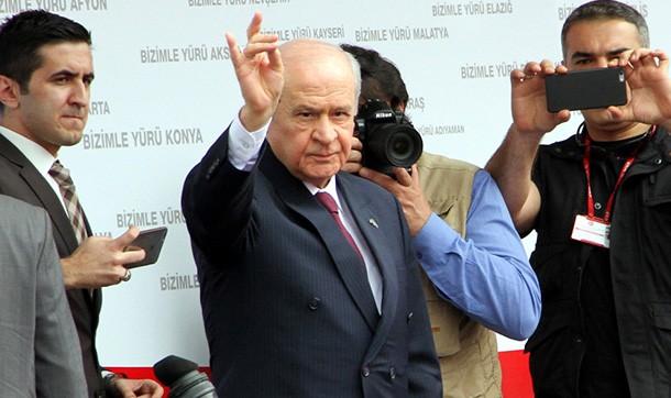 AKP'yi not ediyorum, Evren'in cenazesine..