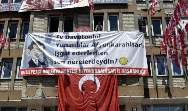 MHP Davutoğlu'yla fena dalga geçti