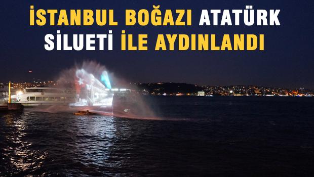 İstanbul Boğazı'nda oluşturulan Atatürk silueti büyük ilgi çekti