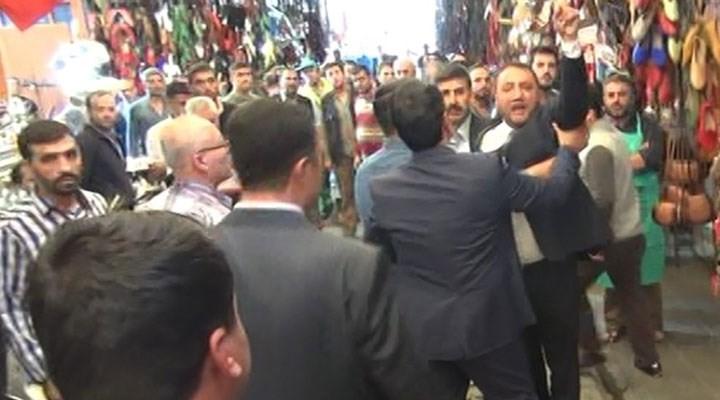 Davutoğlu'nun esnaf ziyaretinde MHP'lilere müdahale