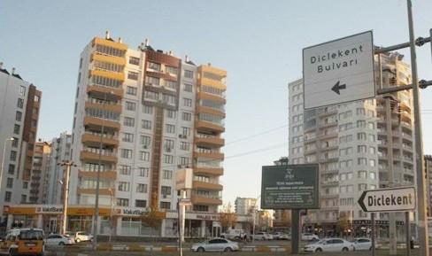 Diclekent'e tepki: Biz ölürken siz eğleniyorsunuz