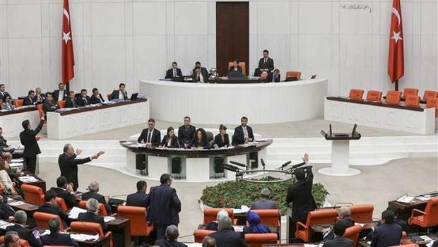 """Milletvekillerine 'VIP' güvenlik"""" uyarısı"""