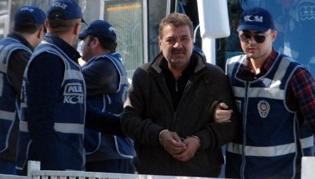 Ünlü şarkıcının kardeşi uyuşturucudan gözaltına alındı