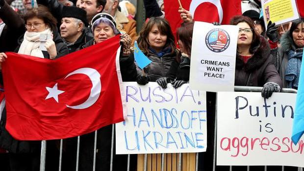 Kırım Türkleri ABD'de Rusya'yı Protesto etti