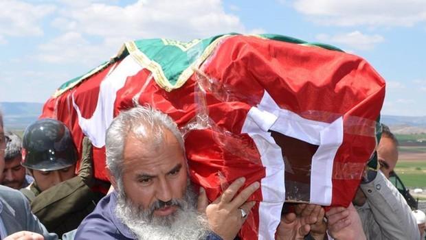 Kore Gazisinin cenazesinde  skandal