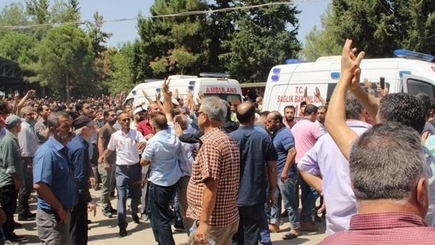 Gaziantep'teki cenaze namaz�nda PKK sloganlar�