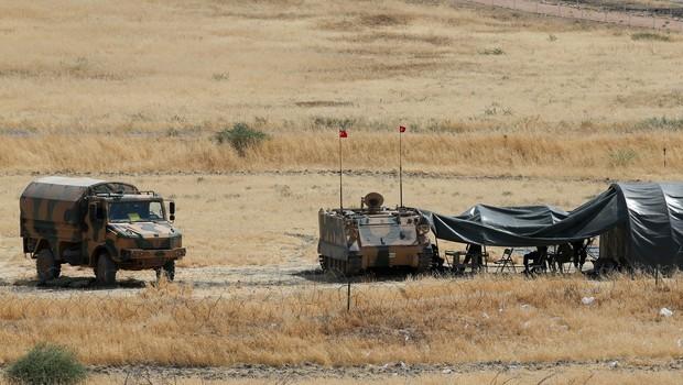 Hem I��D hem YPG �ekiliyor