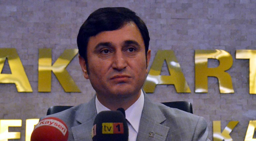 AKP'li eski ba�kan FET�'den tutukland�
