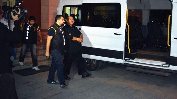 Gülen'in yeğeninin kocası ve 4 kişi tutuklandı