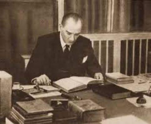 Atatürk'ün Kendi Sesi İle Ne Mutlu Türküm Diyene