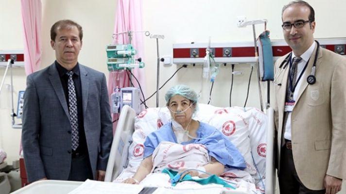 Operasyon sırasında bir saat kalbi durduruldu