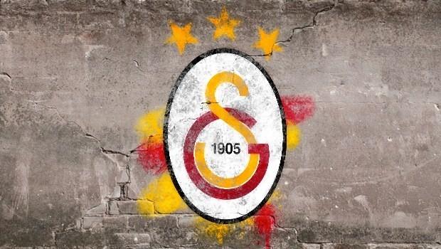 Galatasaray Fenerbahçe'yi kutladı